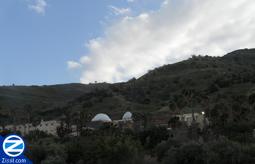 File:00000346-kever-rabbi-meir-in-mountains-of-tiberius.jpg