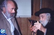 00000527-sabba-discussing-petek-with-shlomo-carlebach.jpg