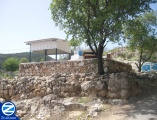 00000241-front-view-kever-rabbi-yochanan-hasandlar.jpg